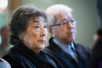 Grace Eiko Thompson (left) and Roy Miki, leaders of the Japanese Canadian Redress movement, at the Addressing Injustice symposium in March 2012. Photo by Don Erhardt